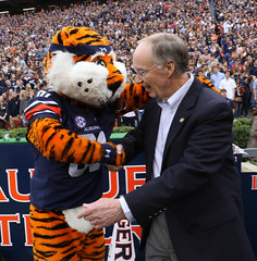 10-31-2015 Governor Bentley at Auburn-Ole Miss Game