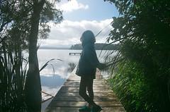 Lake Mahinapua (Le Fabuleux Destin d'Amélie) Tags: hokitika lakemahinapua mahinapua westcoast lake morning newzealand summer roadtrip doc campsite