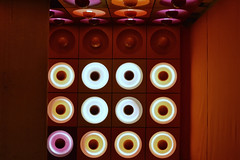 ⌂ (timmytimtim75) Tags: mkg hamburg spiegelkantine vernerpanton 1969 light pop spaceage interiour museum round