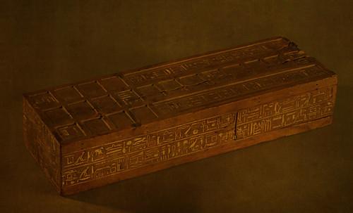 "Senet - Lujoso sistema de objetos lúdicos obsequio del dios Toht a la faraona Nefertari • <a style=""font-size:0.8em;"" href=""http://www.flickr.com/photos/30735181@N00/32399622021/"" target=""_blank"">View on Flickr</a>"