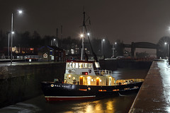 'M.S.C. Viking' Latchford locks 31st January 2017 (John Eyres) Tags: msc viking heading up canal assist tanker happy fellow which has bow thruster problems carrington refinery 310117 manchestershipcanal