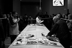 from the sea to your stomach (pepe amestoy) Tags: blackandwhite streetphotography nightphoto people elcampello spain fujifilm xe1 voigtländer color skopar 2535 vm leica m mount