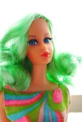 Lei (LAT_te) Tags: new green love japan vintage hair living mod ooak barbie dramatic restore dolly saran reroot rerooted dollyhair