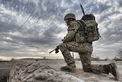 Paratrooper from 2 Para Keeps Watch from the Roof of a Compound in Afghanistan (chestwoodkitlo) Tags: uk afghanistan male soldier army military british op operation campaign defense defence mtp afganistan personnel herrick paratrooper helmand lashkargah 2para nonidentifiable armyphotographiccompetition