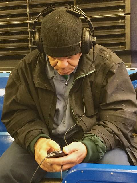 newyork bus manhattan cap busride headphones iphone iphone6s iphone6splusbackcamera415mmf22