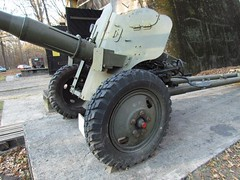 "85 mm divisional gun D-44 6 • <a style=""font-size:0.8em;"" href=""http://www.flickr.com/photos/81723459@N04/23374639000/"" target=""_blank"">View on Flickr</a>"