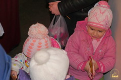 26. Humanitarian assistance for refugees at Svyatogorsk Lavra / Раздача гуманитарной помощи беженцам Лавры