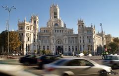 Plaza de Cibeles (Uno de Melilla) Tags: madrid cariátides diosa cibeles edificio grassy plaza spain españa pwmelilla