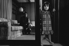 spiegel.im.spiegel (jonathancastellino) Tags: mirror family leica q mirrorinthemirror arvopärt trumpet fingers toes child couch seat seated entrance generation reflection parent father life ngc