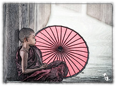 Myanmar / Burma (reinhard111) Tags: mönch regenschirm schirm schlaf myanmar burma