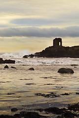 Lady's tower Elie (jeansinclair1) Tags: scotland fife elie ladystower river riverforth rocks waves 52in2017challenge buildings