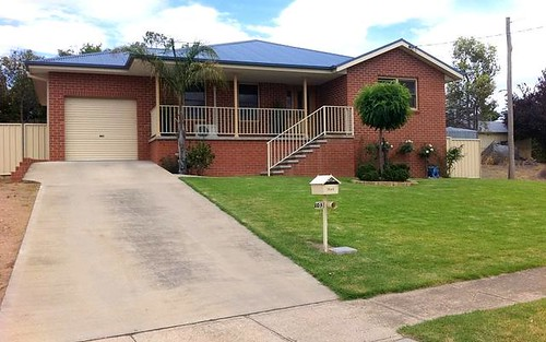 103 Taragala Street, Cowra NSW 2794