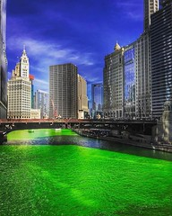 ☘️☘️☘️#Repost @adit.shah ・・・ Another thing off my bucket list. The Chicago River is dyed green using Vegetable Dye every year in the beginning of the St. Patrick's Week! It is, definitely, a spectacular scene seeing the Chicago River go Green for the Iris (southportcorridorchicago) Tags: instagramapp square squareformat iphoneography uploaded:by=instagram southport southportcorridor chicago wrigleyville lakeview