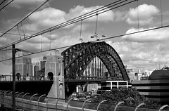 Sydney Harbour Bridge (stephen trinder) Tags: bridge blackandwhite monochrome famous sydney landmark sydneyharbourbridge sydneyaustralia stephentrinder stephentrinderphotography