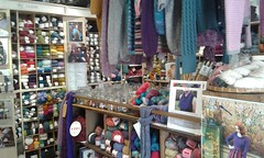 20150716_103110 Bovey Tracey wool shop (carmona rodriguez.cc) Tags: shop devon boveytracey southwestengland woolshop