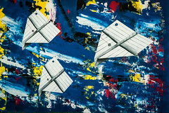 Mural art... (Pedro1742) Tags: blue art painting mural paperplanes