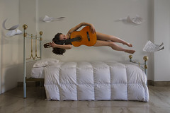 VeronicaIudiciPP03 (Biroin) Tags: music project fly model bedroom university guitar spirit università levitation musica pipers chitarra personale progetto modella levitazione spartiti