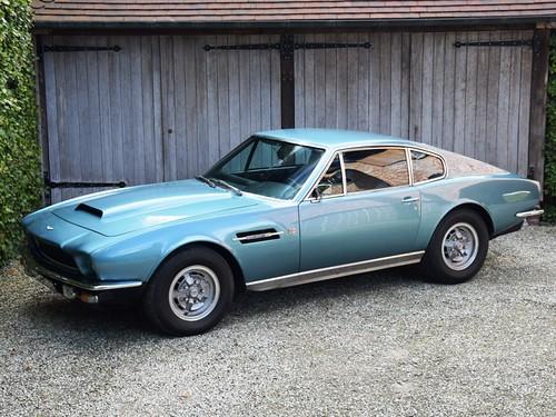 Aston Martin V8 Saloon (1974).