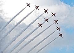 9 RED ARROWS (conespider) Tags: uk england sky fly nikon aircraft jets nine airshow planes gb berkshire redarrows pangbourne 2015