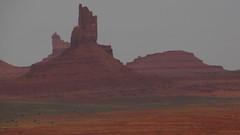 Monument Valley, Utah / Arizona, EEUU (Pablo F. J.) Tags: arizona usa utah nationalpark navajo sedimentary geomorphology parquenacional coloradoplateau naturallandscape llanura monumentvalleynavajotribalpark siltstone semirido geomorfologa semidesierto paisajenatural sedimentario limolita espacionaturalprotegido cerrotestigo naturalprotectedarea relievetabular