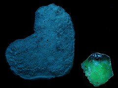 "Synthetic Fluorescent Mineral Experiment:  ""Hydro-glauberite""? - UVa (someHerrings) Tags: experiment calcium sodium carbonate sulfate uranyl hydroglauberite"