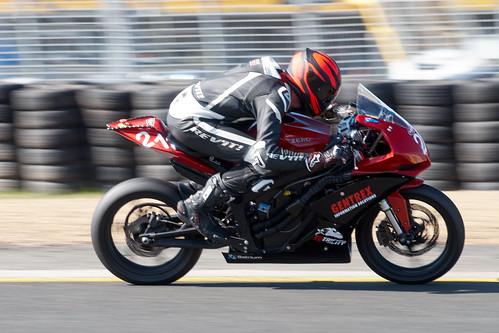 electric racing motorcycle motorsport elmoto