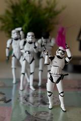 Adivinanza (Heniferu) Tags: heniferu shisencolors trooper stormtroopers starwars clonetroopers toy