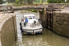 Boat Enter Lock 8149.jpg