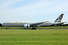 A6-ETF (AnDyMHoLdEn) Tags: etihad 777 egcc airport manchester manchesterairport 05r