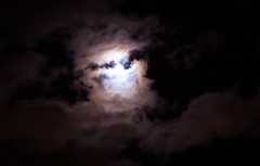 At Night (gregory.sevin) Tags: colombes îledefrance france fr night moon cloudy