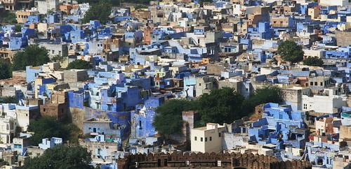 Jodpur ( Rajasthan ), la ''città blu'' dell'India, vista dagli spalti del Forte Mehrangarh...
