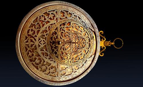 "Astrolabios, ubicantes de estrellas guía • <a style=""font-size:0.8em;"" href=""http://www.flickr.com/photos/30735181@N00/32609972395/"" target=""_blank"">View on Flickr</a>"