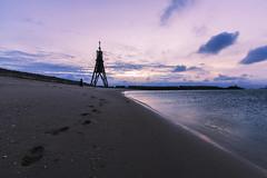 Meine Spuren im Sand... (in explore) (tan.ja1212) Tags: cuxhaven kugelbake meer strand fusspuren sonnenaufgang himmel sand beach sky sea sunrise wolken clouds footprints