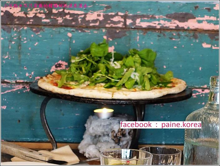首爾北村鐵匠烤窯Pizza (15).JPG