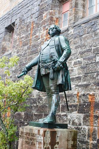 Statue de Frédéric-Guillaume Ier de Prusse (1713-1740) au château de Hohenzollern