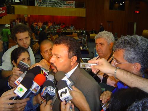 06-07-12 Debate 730 Hermes Correa 014