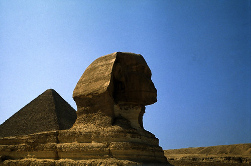"Ägypten 1983 (22) Gizeh: Sphinx und Cheopspyramide • <a style=""font-size:0.8em;"" href=""http://www.flickr.com/photos/69570948@N04/22392414243/"" target=""_blank"">View on Flickr</a>"