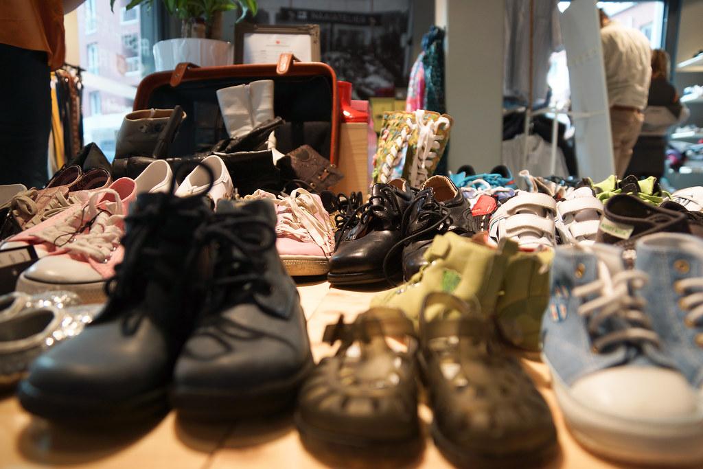 sneaker store breda