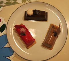"""Sunday Colours - After Christmas """"Christmas Logs"""" (Pushapoze (nmp)) Tags: maisonkayser buchedenoel plate assiette"""