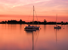 Pink... (Andy Gant) Tags: heybridge heybridgebasin maldon essex longexposure riverblackwater england river water reflections pink sunrise colour color wow