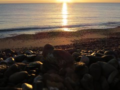 6913 Sunrise over the English Channel (Andy - Busyyyyyyyyy) Tags: 20170111 bbb beach ccc clouds englishchannel kent romneysands sea sss sunrise water www