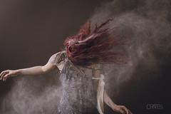 Rojo Dramático (PetterZenrod) Tags: red art texture textura beauty rojo redhead bella dust flour pelirroja 30mm surrealista harina