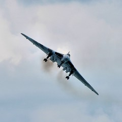 Avro Vulcan XH558 at Eastbourne International Airshow (martin97uk) Tags: uk england plane sussex aeroplane east airshow international eastbourne vulcan bomber avro xh558