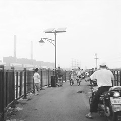 沿海堤防 (Bo Kai Huang) Tags: tlr fujifilm 海 黑白 堤防 rolleiflex35a