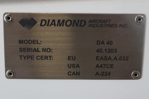 Diamond DA40 HS-TVH-2 dataplate Hua Hin 14Oct15 (Jean Marc Braun)
