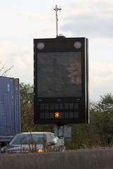 2012-0155 | A1, panneau  message variable (La Signathque) Tags: danger led route a1 autoroute signalisation panneau lacroix trafic diode pictogramme scurit sanef