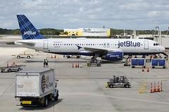 N606JB JETBLUE AIRWAYS AIRBUS A320-232 (Roger Lockwood) Tags: rsw airbusa320 jetblueairways krsw n606jb southwestfloridaairport
