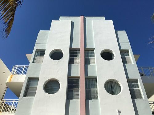 Detail Art Deco Hotel Ocean Terrace