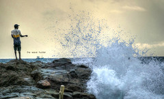 The wave hunter (Saint-Exupery) Tags: leica sea mar fishermen srilanka pescadores weligama