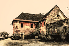 Balkan ghost (Paweł Szczepański) Tags: maribor upravnaenotamaribor slovenia si trolled sonyflickraward legacy daarklands shockofthenew sincity